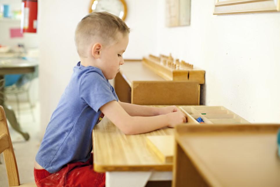 """Escuela UCA de padres y madres. Taller 9 (online) """"Iniciación a la pedagogía Montessori (en casa)"""". 2 horas. 20 de abril al 11 de mayo."""